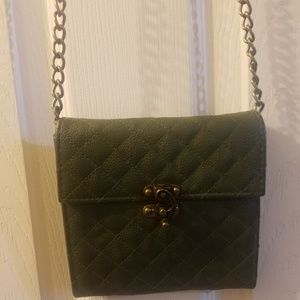 Steve Madden olive green chain cross body purse